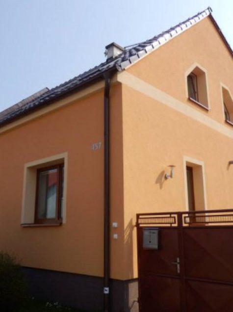 Malování fasády rodinného domu